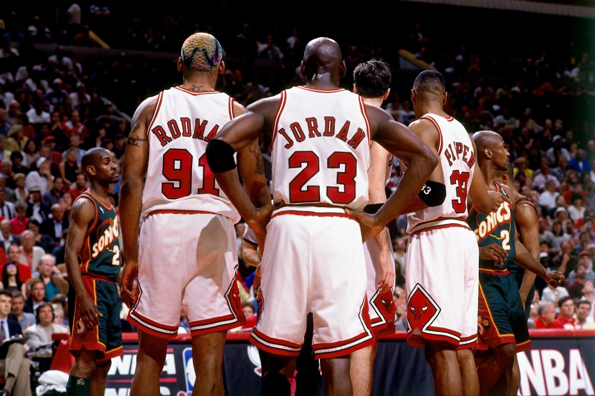 10-players-nba-went-bankruptcy-deset-igraca-koji-su-bankrotirali-sport-dugovi-iverson-sprewell-rodman-pippen-jordan-rick-mahorn
